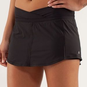 Lululemon Run Pace Skirt Size 10 MINT CONDITION